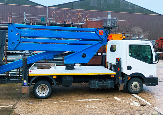 Cherry picker folded